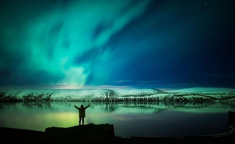 iceland-reykjanes-peninsula-northern-lights-rth