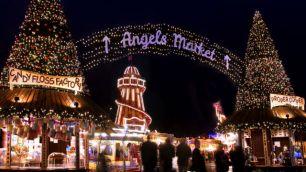 94324-640x360-winterwonderland-night-angel-640